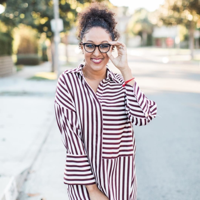 I love a good shirt dress! They are perfect forhellip